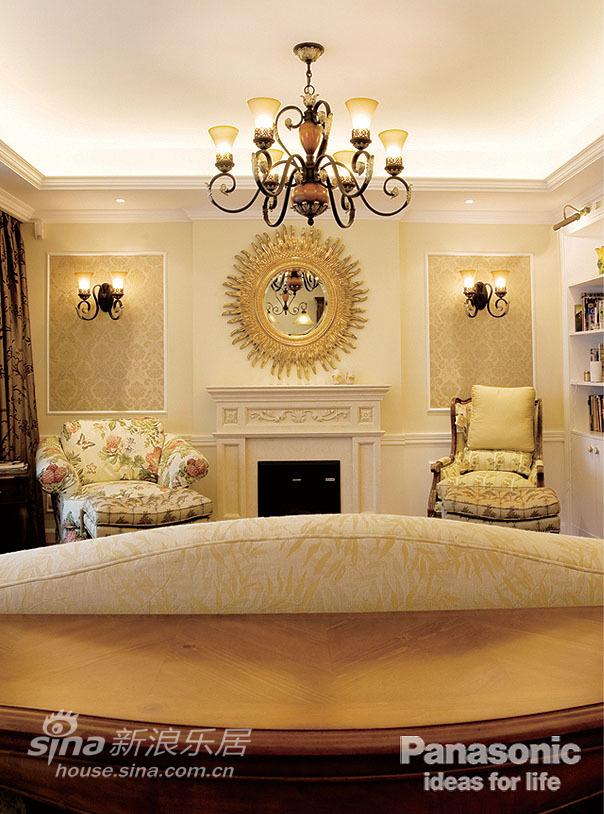 美式装饰墙面与壁炉、护墙板交相图片 样板间