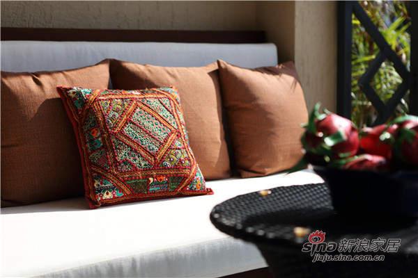 抱枕的花纹很精美