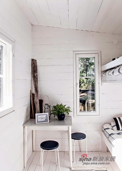 白色小方桌