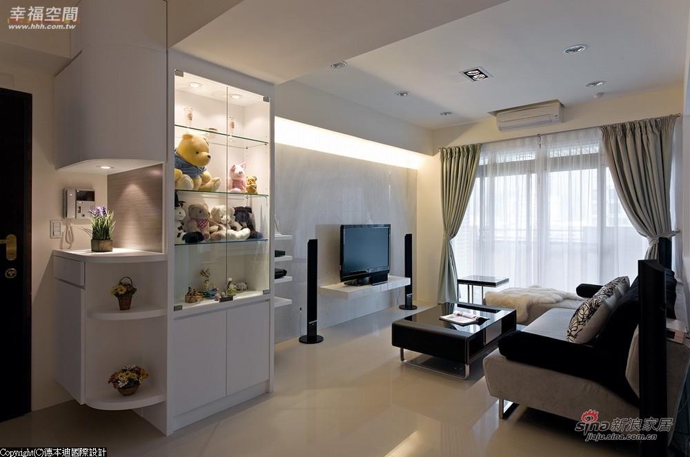 盈白纯净的完美印象铺陈客厅场域