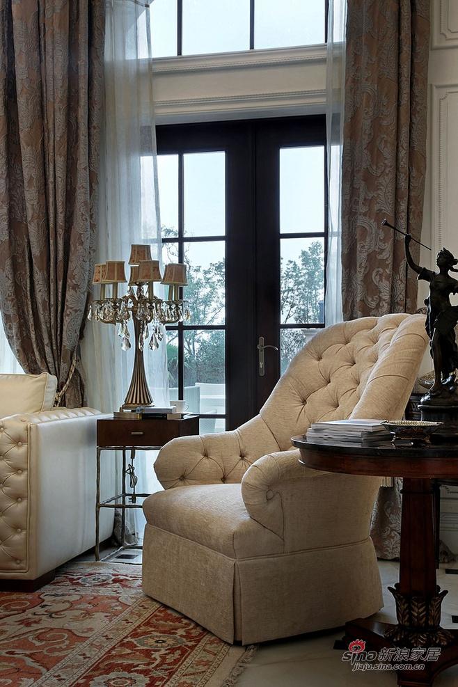 白色欧式软沙发