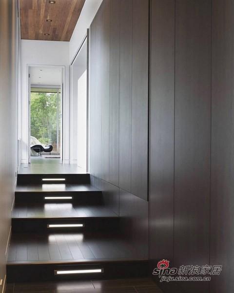 60平带花园的U型别墅-楼梯图片