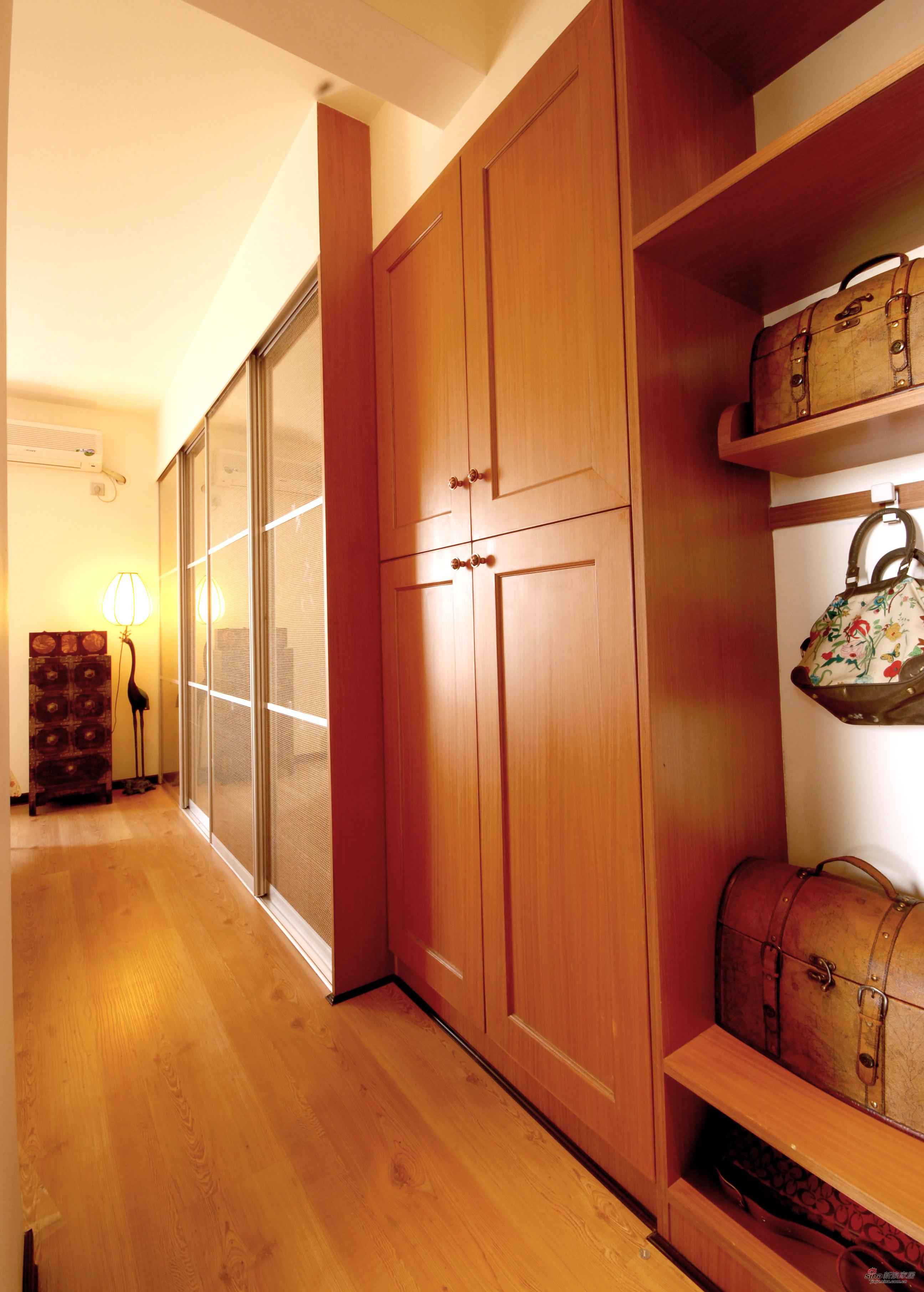 衣柜和置物架