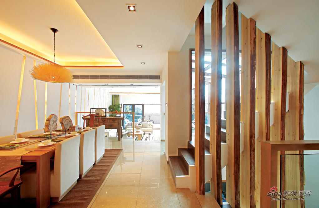 楼梯和餐厅