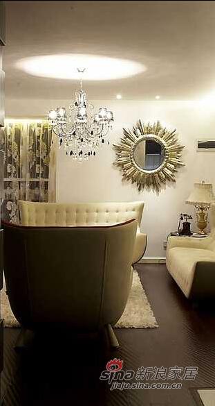客厅的温馨与大气,融合的恰到好处。