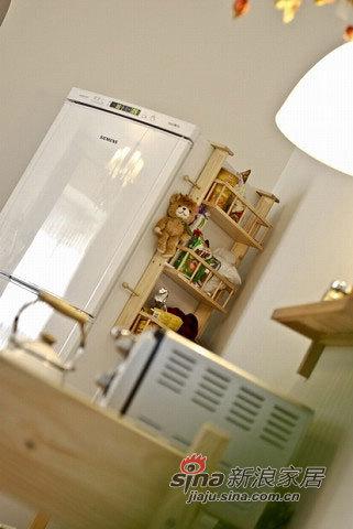 冰箱上很利用空间的挂架