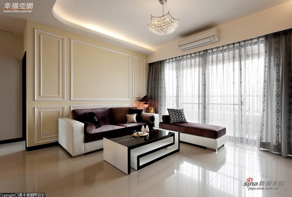由于屋主偏爱白色简单的居家风格