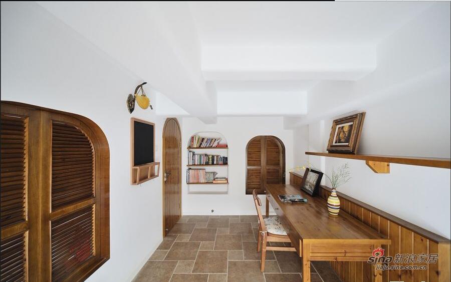 书房简洁大方,纯实木设计