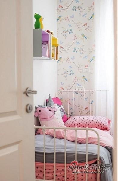 粉嫩嫩的儿童房