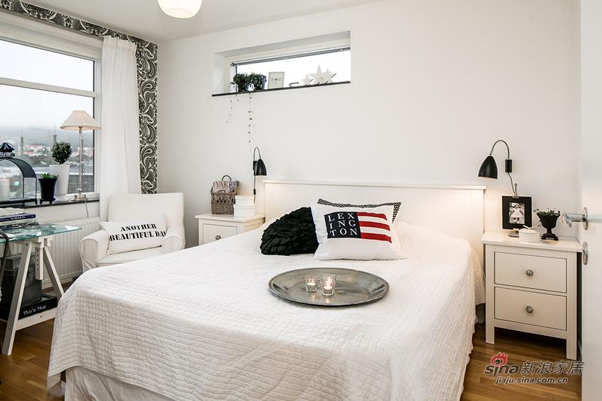 白色简单的床