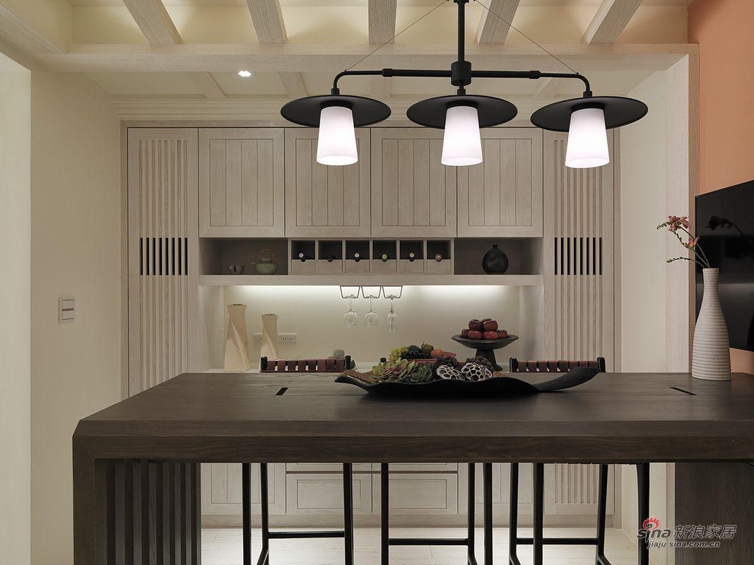 厨房加餐厅,橱柜很漂亮