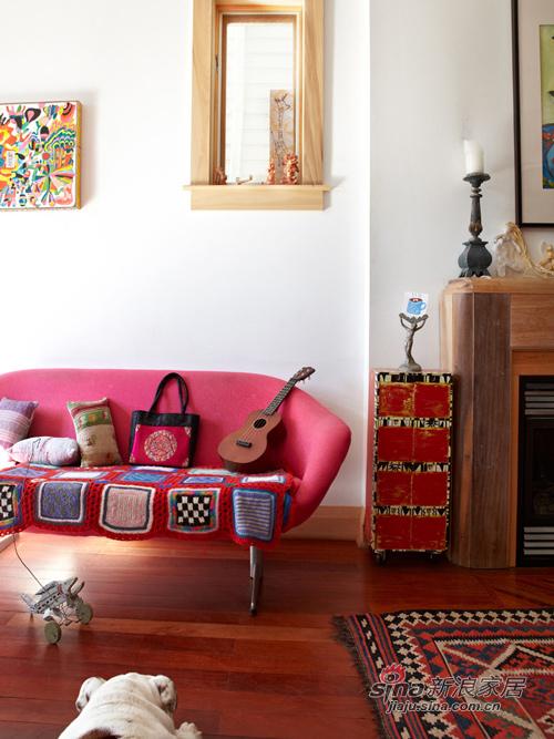 五彩的客厅