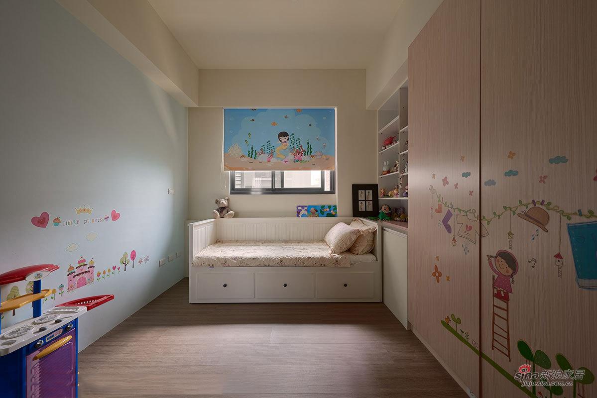 简易的沙发床很实用又节省空间