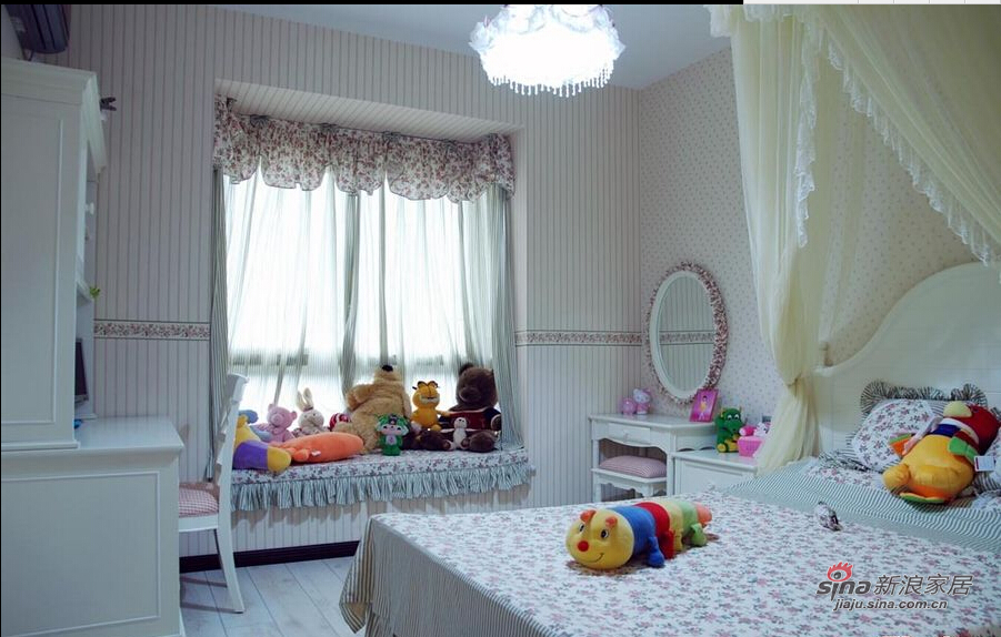 温馨的卧室装饰让我们的生活更加得心应手。