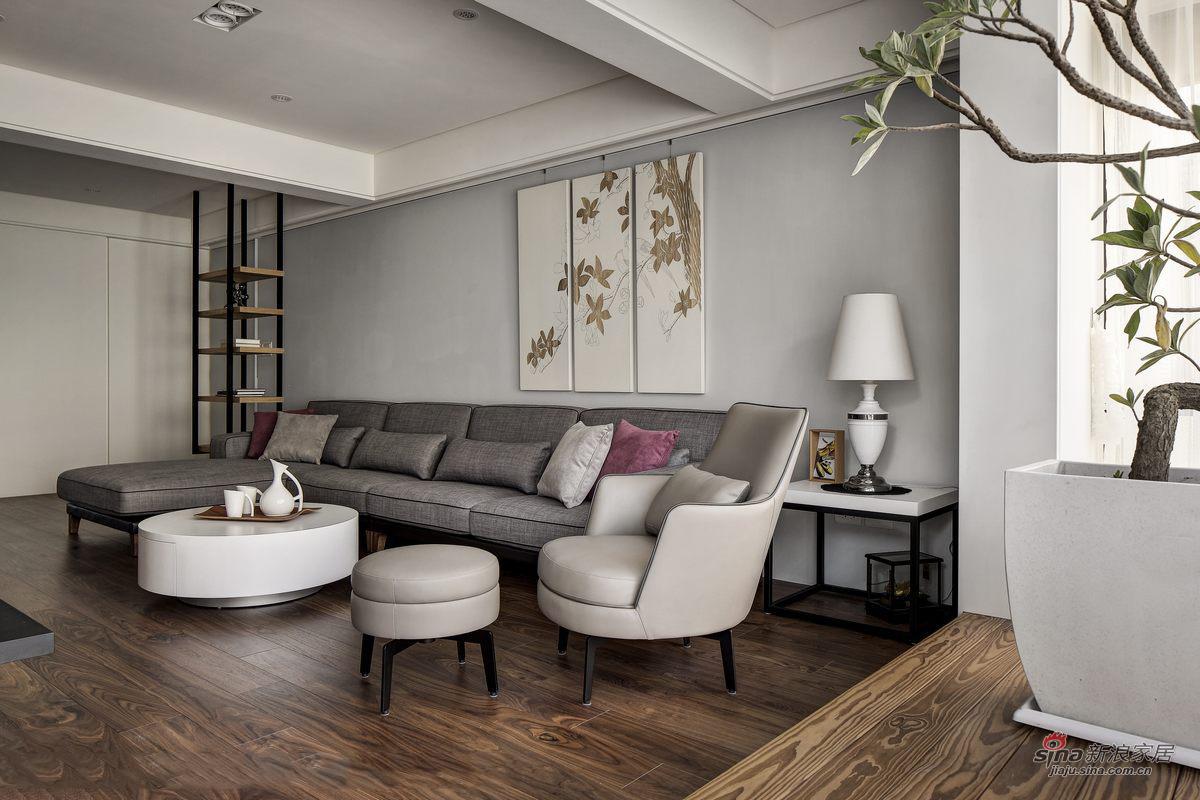 沙发和小茶几很棒