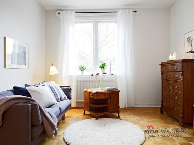 素净的客厅