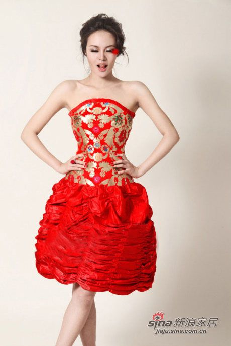 突破传统的中式婚纱礼服图片