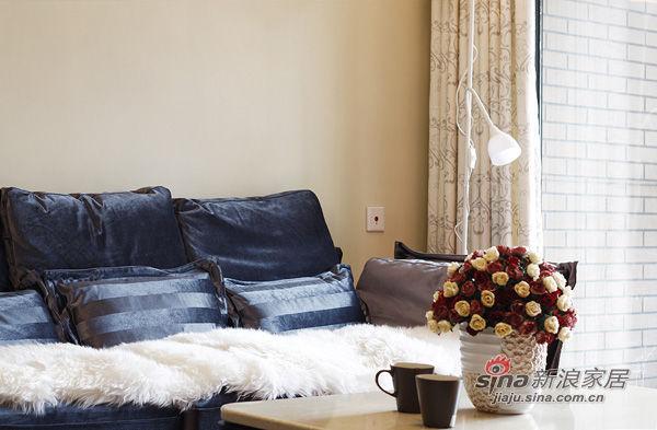 沙发选的是爱依瑞斯的布艺沙发高清图片