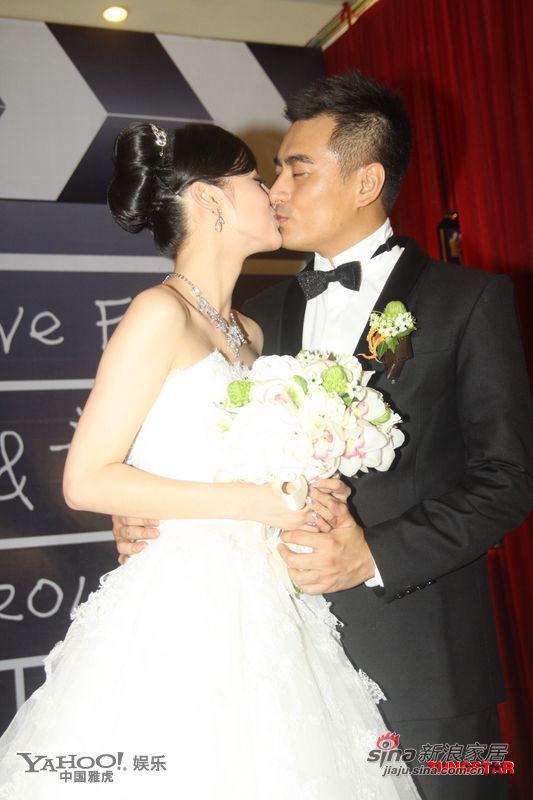 幸福时刻 盘点明星婚礼上的热吻瞬间图片
