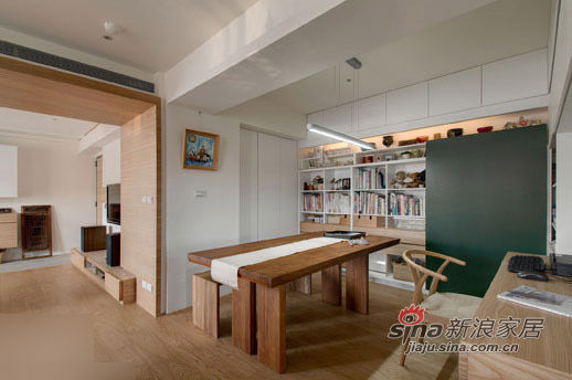 书房区域,在客厅旁边,利用隔断墙分隔出一小块独立空间 巧妙的设高清图片