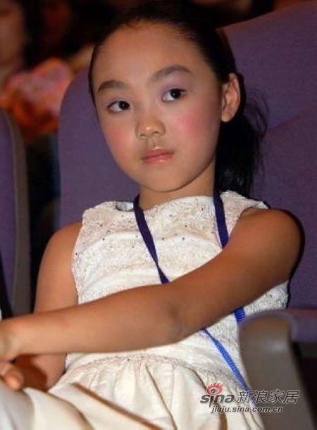 李思女儿_李连杰的女儿李思