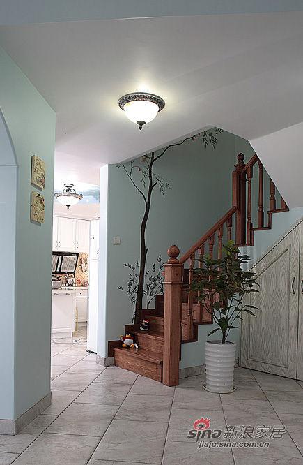 客厅上阁楼的楼梯图片 家居秀 新浪装修家居网
