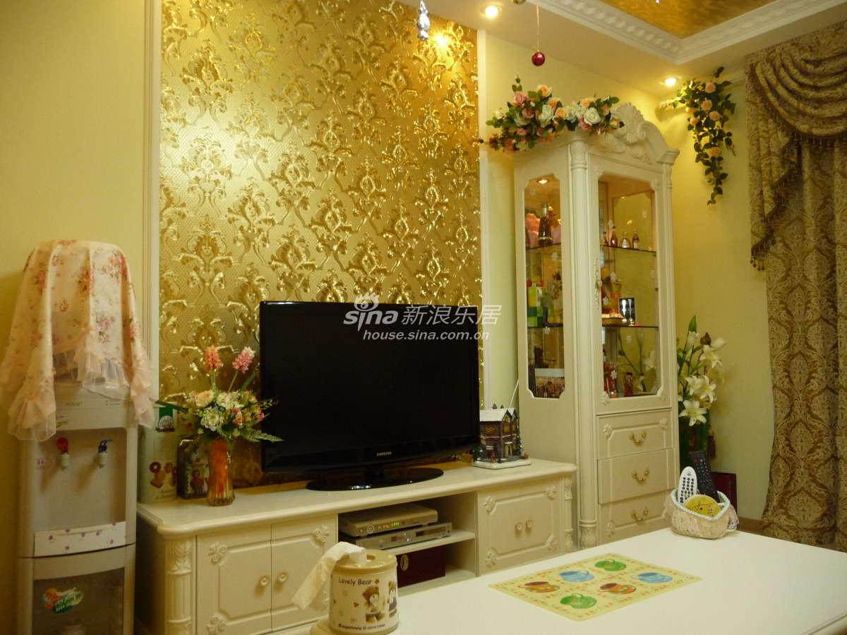 电视墙的局部金壁纸图片