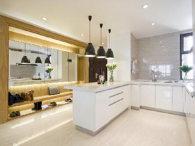 设计理念:因为客户家受结构限制,所以才用了开放式厨房的运用,显得更加大气,也增加了实用性,多了吧台的位置。