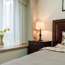 将这一份泰然传达到卧室设计当中,也就得到了一处恬静、美好的休憩空间。