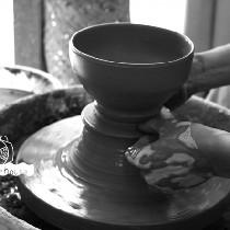 如何做一只陶瓷碗-拉坯