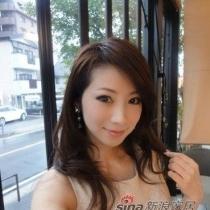 41岁辣妈网络爆红 面容似妙龄少女