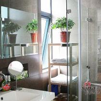 洗漱间。很简单,没有什么特别的,干净整洁就是我要的效果。