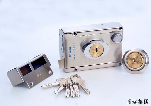 弹子门锁 热水器安装示意图 二保险弹子门锁